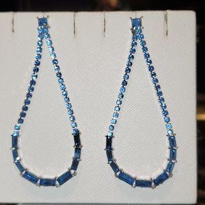 💝Beautiful Blue crystal dangle earring